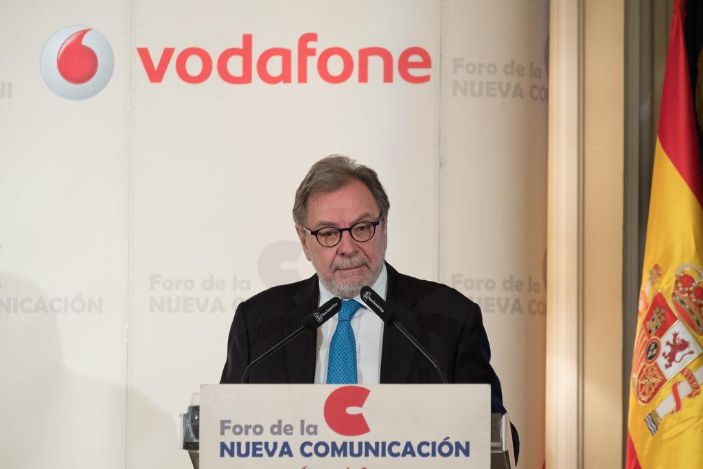 Juan Luis Cebrián: 'La prensa escrita está en una crisis terminal y no encuentra el modelo de negocio para sobrevivir'