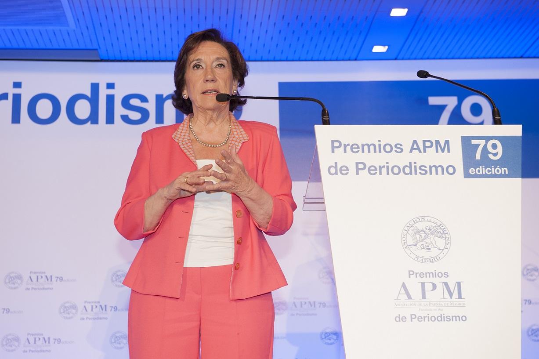 Victoria Prego alerta de dos fenómenos que amenazan al periodismo: la información gratis y la desinformación